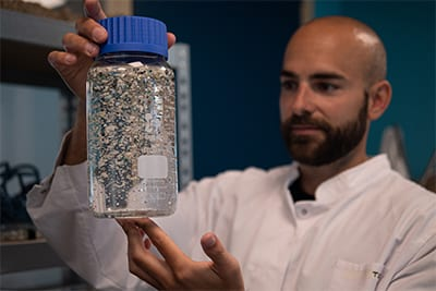 Swimming Against the Tide: How The Ocean Cleanup uses DURAN® glassware in their Microplastic Pollution Research